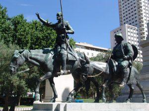 Homenaje a Don Quijote y Sancho en la Plaza de España.