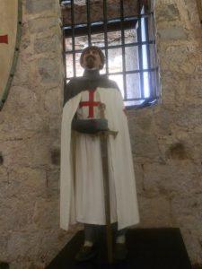 Representación de templarios exposición en la fortaleza.