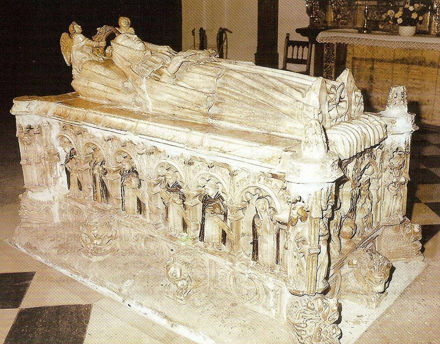 Sepulcro reina Beatriz de Portugal.